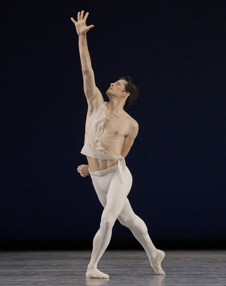 Robert Fairchild in George Balanchine's <em>Apollo</em>. Photo: Paul Kolnik. Image courtesy the New York City Ballet.