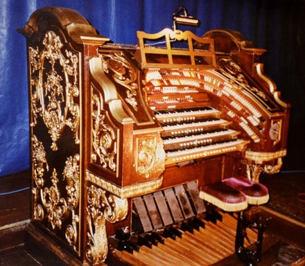 The Wurlitzer console. Photo: Stuart Fishelson.