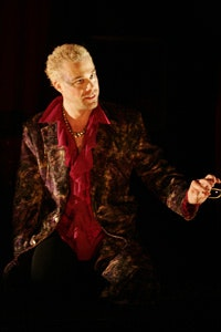 Matthew Rauch as Vindice in <i>The Revenger's Tragedy</i> © Samantha Moranville