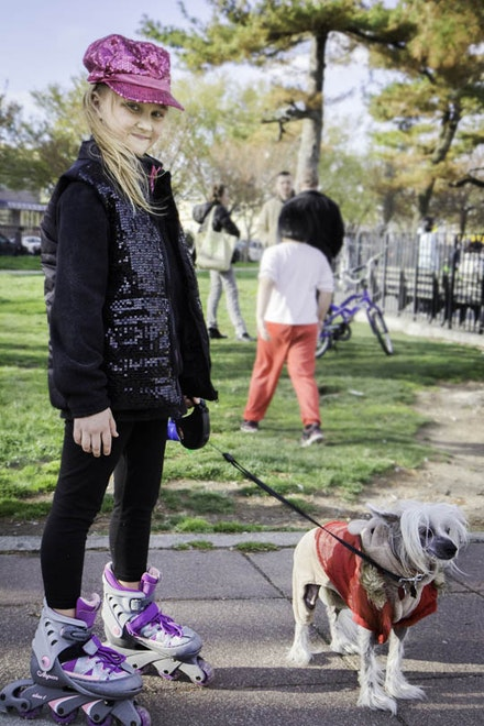 Valeria brings a retro-disco edge to the Sethlow Park, as she rollerblades in her sequin get-up with her equally snazzy pup.