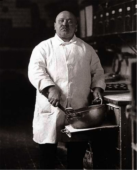 Image of Sander's baker from Benjamin's Short History of Photography.