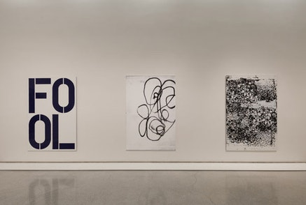Installation view: Christopher Wool, Solomon R. Guggenheim Museum, New York. Photo: Kristopher McKay © Solomon R. Guggenheim Museum, New York.
