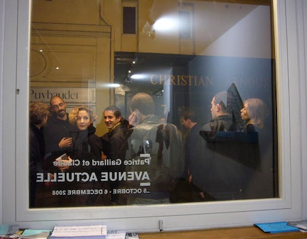 Thinking about art often takes place at social gatherings, such as at this art opening in Paris. Photo: Natalie Hegert.