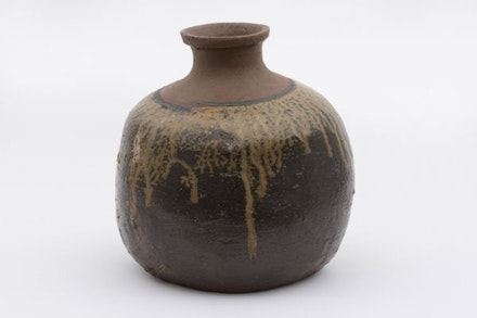 Unknown, Ceramic sake container (funatokkuri), Momoyama Period (1573 – 1603). Bizen ceramic with green natural glaze, 11-13/16