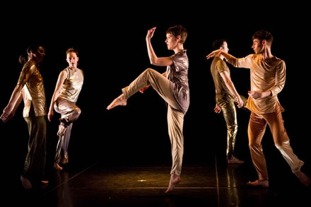 Trisha Brown Dance Company. Photo: Ian Douglas.