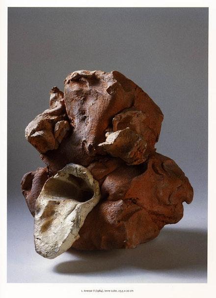 """Alain Kirili, """"Ivresse II,"""" 1984. Terra cotta, 23.5 × 20cm. Courtesy Musée des Beaux-Arts de Caen, France."""