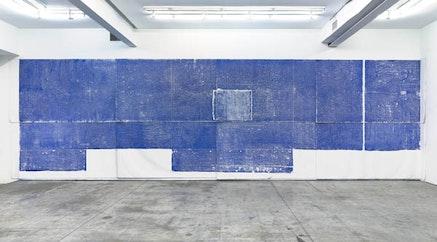 """Jennifer Bornstein, """"Floor 1,"""" 2014. Monoprint (oil on canvas), 137 × 421 ̋."""