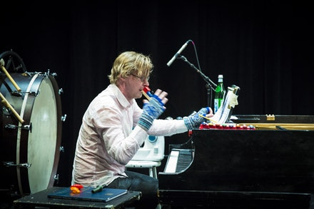 Emil Hölmstrom, Uusinta ensemble, plays Jōruri Death Metal. Photo by Noah Stern, courtesy of MATA.