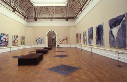 Installation of <em>A New Spirit in Painting</em> at the Royal Academy, 1981.