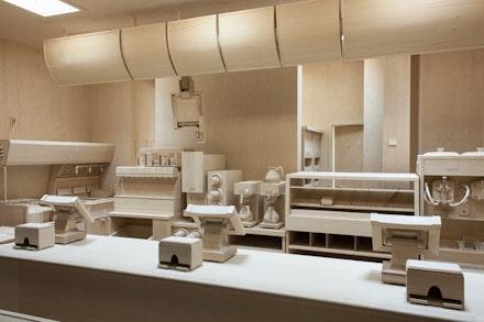 """Roxy Paine, """"Carcass,"""" 2013. Birch, maple wood, glass, and fluorescent tube, 13 ́ 7 ̋ × 20 ́ 1/2 ̋ × 13 ́ 13/16 ̋. Courtesy of the artist and Kavi Gupta Chicago   Berlin. Photo: Joseph Rynkiewicz."""
