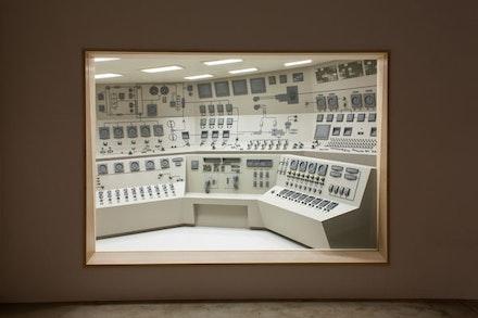 "Roxy Paine, ""Control Room,"" (2013). Steel, wood, automotive paint, glass, and fluorescent tubing. 13 ́7 ̋ × 18 ́23/8 ̋ × 12 ́5 ̋. Courtesy of the artist and Kavi Gupta Chicago   Berlin. Photo: Joseph Rynkiewicz."