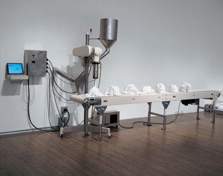 "Roxy Paine, ""SCUMAK (Auto Sculpture Maker),"" 1998. Aluminum, computer, conveyor, electronics, extruder, stainless steel, polyethylene, and Teflon. 163 × 96 × 48 ̋."
