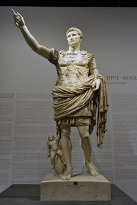 View of the exhibition <em>I, Augustus, Emperor of Rome...</em> at Grand Palais (19 March – 13 July 2014). Photo Didier Plowy for Rmn-Grand Palais, 2014.