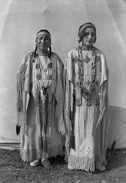 Left to right: Sindy Libby Keahbone (Kiowa) and Hannah Keahbone (Kiowa). Oklahoma City, Oklahoma, ca. 1930. © 2014 Estate of Horace Poolaw. Reprinted with permission.