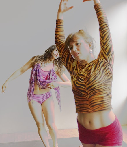 From left to right: Rebecca Warner and Natalie Green. Photo by Ryutaro Mishima.