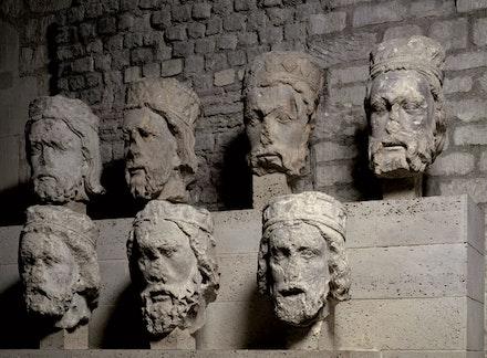 Têtes des rois de Juda, Provenant de Notre-Dame de Paris. Paris, vers 1220 – 30. Paris, musée de Cluny - musée national du Moyen Âge. © RMN-Grand Palais / Gérard Blot.