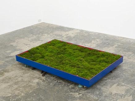 """Andrea Büttner, """"Moss Garden,"""" 2013. Metal, moss, ceramic, 180 × 120 cm.Courtesy the artist and Hollybush Gardens."""