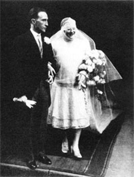 Marcel Duchamp with Lydie Sarazin-Levassor. Image source unknown.