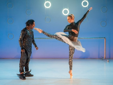 Jay Donn and Michele Wiles in <em>Something Sampled</em>. Photo: Stephanie Berger.