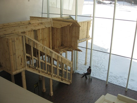 """Unnamed Structure"" (2011). Walker Art Center. Wood, 50 × 18 × 16 ́. Photo: Juana Berrio."