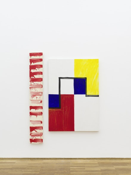 "Installation view: Mary Heilmann and David Reed, ""Two by Two,"" Hamburger Bahnhof – Museum für Gegenwart – Berlin, 2015 Left: David Reed, #52, 1974. Right: Mary Heilmann, M, 1985. Courtesy the artists. Photo: Thomas Bruns, Berlin."