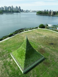 Agnes Denes, <em>The Living Pyramid</em>, 2015. Socrates Sculpture Garden, Long Island City, New York. Courtesy Socrates Sculpture Park.
