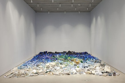 Tony Capella&#769;n, <em>Mar invadido</em>, 2015. Found objects from the Caribbean Sea, 360 &times; 228 in. Installation view: Pe&#769;rez Art Museum Miami. Photo: Oriol Tarridas.