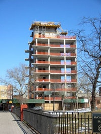 New housing construction on Manhattan and Driggs Avenues. Photographs by Amelia Hennighausen.