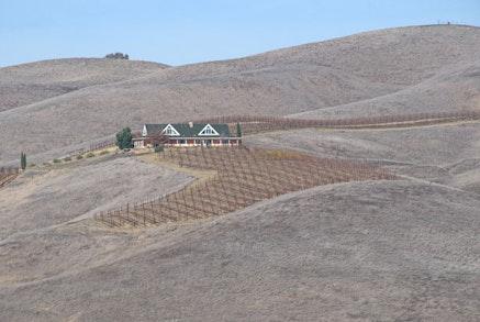 John Weiss, <em>California Drought</em> (flic.kr/p/kMZu3x) used under (CC BY-NC-ND 2.0). Desaturated from the original.