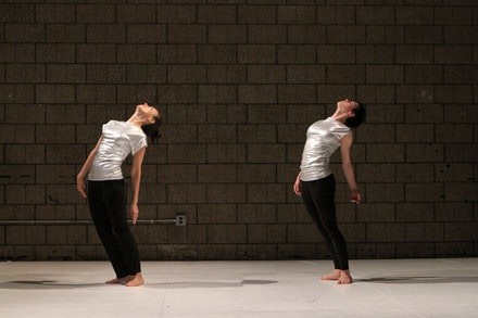 Sarah Skaggs and Cori Kresge in <em>The New Ecstatic 2.0</em>. Photo: Julie Lemberger.