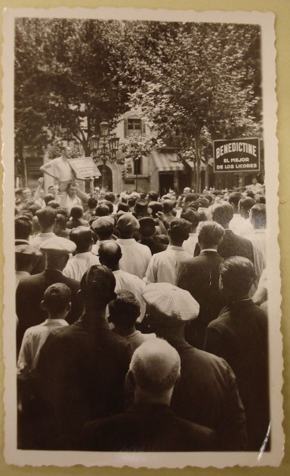 Demonstration in support of the Popular Front, Barcelona July 1936. Photo: Muriel Rukeyser.