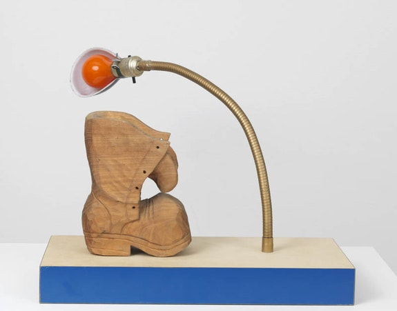 Joe Bradley, <em>TBT</em>, 2016. Wood, lamp and acrylic paint. 10 1/2 × 17 5/8 × 7 3/4 inches. © Joe Bradley. Courtesy the artist and Gagosian Gallery. Photo by Robert McKeever.