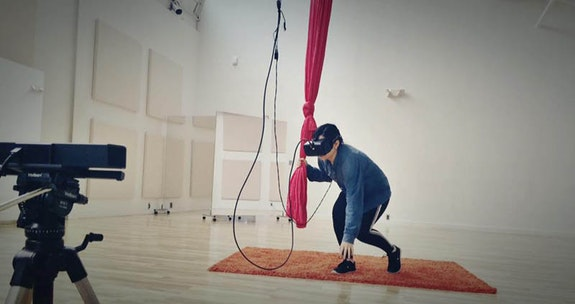 Rehearsal for <em>Lovushke</em>. Credit: Kevan Loney and Almeda Breynon.