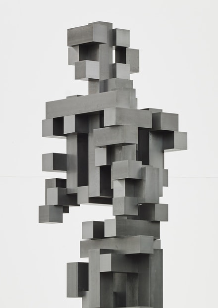 Antony Gormley, <i>Big Pluck 2</i>, 2016, (detail). Mild steel bar, 281 x 81 x 48 cm. ©Antony Gormley. Photo: Stephen White, London. Courtesy Sean Kelly, New York.