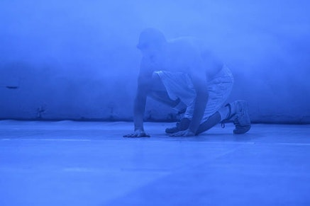 Ligia Lewis, <em>Sorrow Swag</em> at Sophiensaele Theater, performance view, January 2015. Photo: Dieter Hartwig.