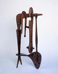 "Isamu Noguchi, ""Remembrance"" (1944), mahogany. The Noguchi Museum, New York. Photograph by Kevin Noble."