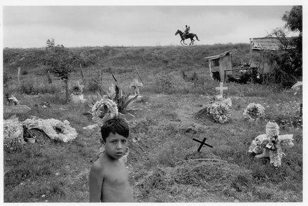 Alex Webb, <em>Nuevo Laredo, Tamaulipas</em>, 1996. &#169; Alex Webb/Magnum Photos. Courtesy Aperture/Televisa Foundation.