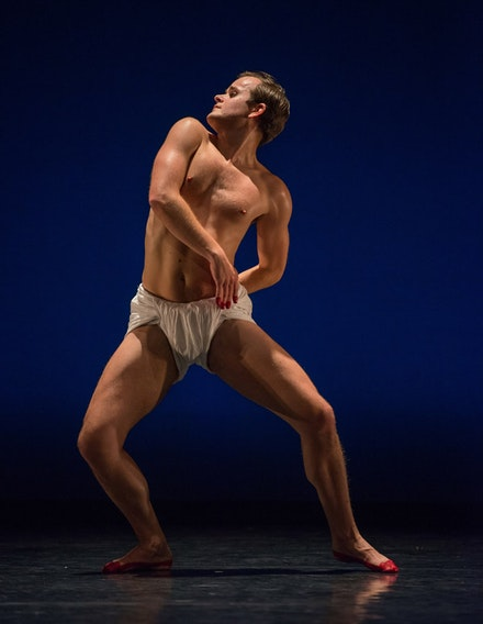 Mark Morris Dance Group, <em>O Rangasayee</em>. Dallas McMurray. Photo: Stephanie Berger.