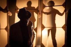 <p>Roger Casey in <em>CasablancaBox</em>. Photo: Benjamin Heller.</p>