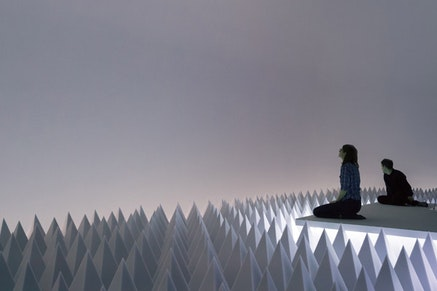 Installation view: <em>Doug Wheeler: PSAD Synthetic Desert III</em>, Solomon R. Guggenheim Museum, New York, March 24 &#8211; August 2, 2017.  Photo: David Heald. Courtesy Solomon R. Guggenheim Museum.