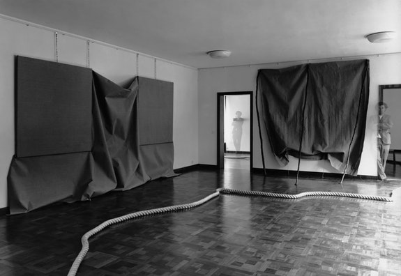 Installation view: <em>Barry Flanagan: Object Sculptures</em>. Museum Haus Lange, Krefeld, Germany, September 7 - October 12, 1969. Left to right: <em>aug 1, '69 </em>(1969), <em>3 space rope piece '69</em> (1969), <em>june 8 '69 </em> (1969).