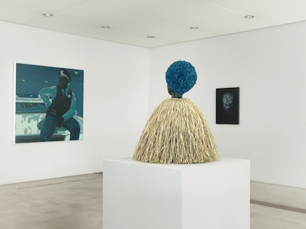 Installation view of <em>Blue Black</em>, with works by Kerry James Marshall, Simone Leigh, and Jack Whitten, in the Entrance Gallery. Pulitzer Arts Foundation, 2017 Photograph &copy; Alise O&rsquo;Brien Photography.