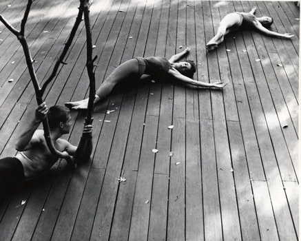 Anna Halprin, <i>The Branch, the Halprins' dance deck, Kentfield, California</i>, c. 1957: A. A. Leath, Anna Halprin, and Simone Forti. Photograph by Warner Jepson. The Estate of Warner Jepson &copy; Warner Jepson - 2017. Jerome Robbins Dance Division, The New York Public Library for the Performing Arts.