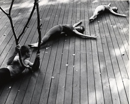 Anna Halprin, <i>The Branch, the Halprins' dance deck, Kentfield, California</i>, c. 1957: A. A. Leath, Anna Halprin, and Simone Forti. Photograph by Warner Jepson. The Estate of Warner Jepson © Warner Jepson - 2017. Jerome Robbins Dance Division, The New York Public Library for the Performing Arts.