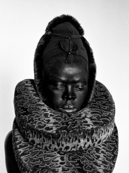 <p><em>Somnyama III</em>, Paris, 2014 © Zanele Muholi. Courtesy of Stevenson, Cape Town/Johannesburg and Yancey Richardson, New York</p>