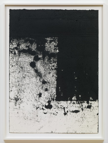 Richard Serra, <em>Rotterdam Horizontal #5/Right Angle</em>, 2016. Etching ink, silica, and paintstick on handmade paper, 43 1/4 x 31 1/2 inches. Photo by Cristiano Mascaro. © 2017 Richard Serra / Artists Rights Society (ARS), New York. Courtesy David Zwirner, New York/London.