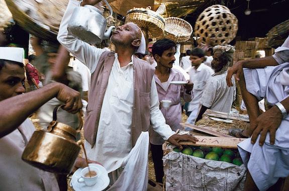 Raghubir Singh, <em>Crawford Market, Bombay, Maharashtra</em>, 1993 Photograph copyright © 2017 Succession Raghubir Singh.