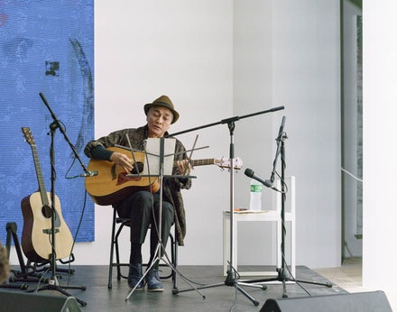 Tomokawa Kazuki playing at Greene Naftali Gallery. Photo by Sol Hashemi.