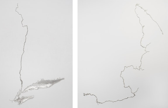 Left: <em>Silver Hudson</em>, 2011, recycled silver. Photo: Kerry McFate, courtesy Pace Gallery. Right: <em>Silver Columbia</em>, 2017, recycled silver. Photo: Kerry McFate, courtesy Pace Gallery.