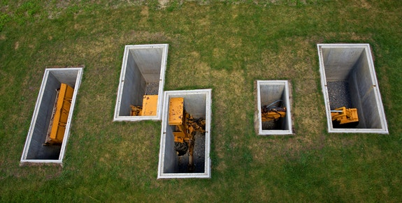 David Brooks, <em>A Proverbial Machine In the Garden</em>, 2013. Aerial view of subterranean installation at Storm King Art Center. Photo: Jerry Tompkins.